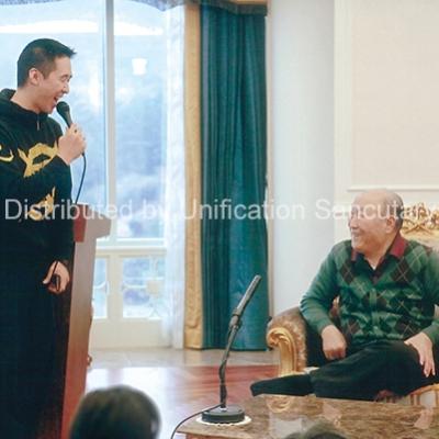 Photo Print: True Father & 2nd King talking - Christ Kingdom Gospel - A Lifestyle Centered On God