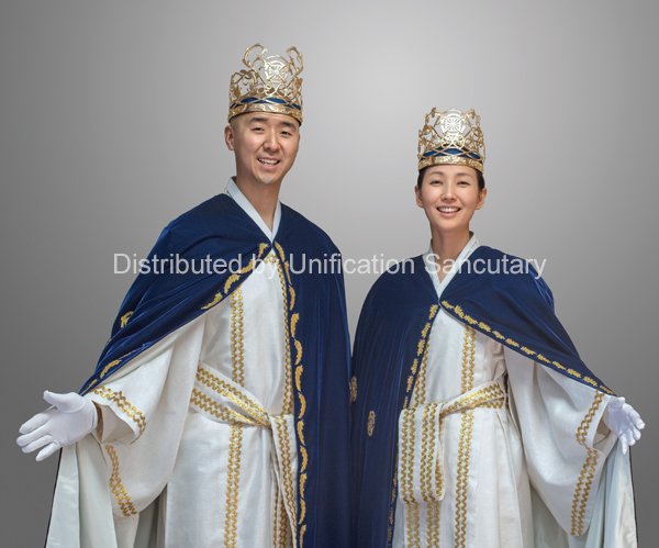 Photo Print: 2nd King and Queen - Christ Kingdom Gospel - A Lifestyle Centered On God