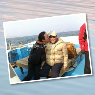 Photo Print: 2nd King at sea with True Father - Christ Kingdom Gospel - A Lifestyle Centered On God